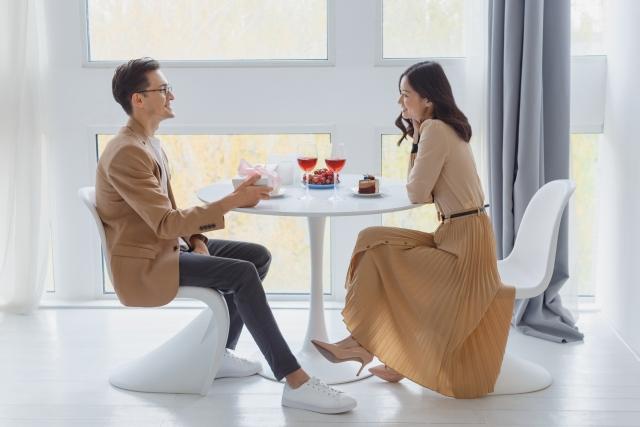 熟女とデートする方法のキービジュアル